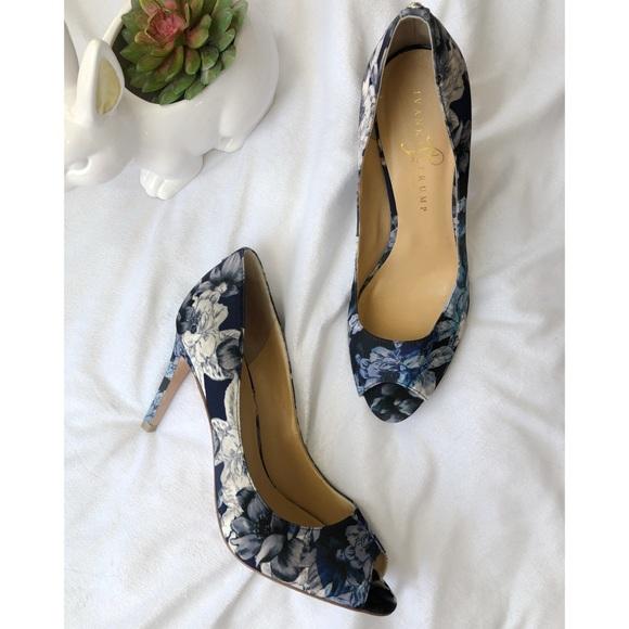 d9571675d9 Ivanka Trump Shoes - Ivanka Trump   Blue Opened Toe Heels Size 10